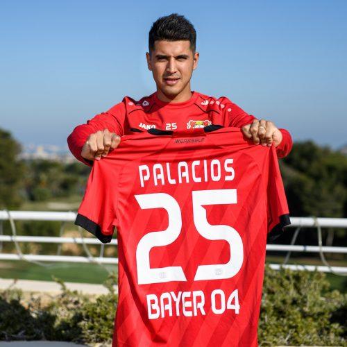 Palacios-Bayer-leverkusen-officiel-scaled